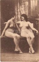 Erotic lesbian nude ladies. Largache Série 6.