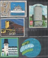 10 db budapesti hotelcímke (Hotel Erzsébet, Hotel Vörös Csillag, Hotel Budapest, stb.)