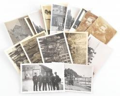 cca 1918-1943 Vegyes katonai fotó tétel, rajta német katonákkal, közte két I. világháborússal, összesen 15 db, egy-két hátoldalán bejegyzéssel, 11x8 cm és 8x5 cm közötti méretben