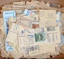 Kb. 300 db csomagszállító szelvény az 1930-1944 közötti időszakból, benne szép bélyegzések, dobozban