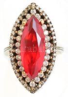 Ezüst(Ag) gyűrű, szintetikus piros kővel, jelzett, méret: 57, bruttó: 8,46 g