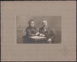 cca 1909 Szombathely, Knebel Ferencz (1835-1911)  fényképész műtermében készült vintage fotó, 11,3x18,2 cm, karton 24,8x31 cm