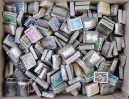 Kb 250 db bündli ömlesztve dobozban az 1960-1970-es évekből