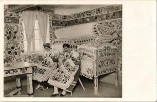 1937 Parádés szoba, Kalocsai népviselet, magyar folklór / Hungarian folklore from Kalocsa, room interior