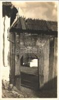 Tore aus der Szekler gegend / Erdélyi folklór, székelykapu / Transylvanian folklore, Székely gate. J. Fischer photo
