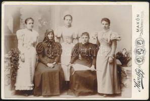cca 1890 Makó, Huszthy László fényképész műtermében készült, keményhátú vintage fotó, felirata szerint a Bástyi család hölgytagjait ábrázolja, 10,8x16,1 cm