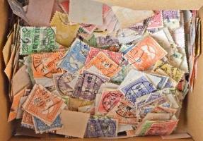 Kb 1800 db Turul bélyeg dobozban ömlesztve, hibák kereséséhez kiváló