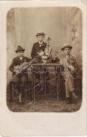 Boys violin trio. photo (EK)