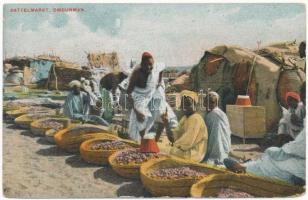 Omdurman, Dattelmarkt / date market. Medol advertisement on the backside (EK)