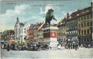 Copenhagen, Kobenhavn; Hojbroplads med Biskop Absalons Statue / square, monument, market, shops (EB)