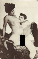 Vintage pornographic photo postcard (EK)