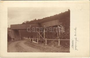 Chatki (Sokolow), szétlőtt híd az első világháborúban / gesprengte Brücke / WWI K.u.k. military destroyed bridge. photo (EK)