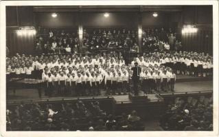 1935 Budapest, X. Kerületi Ligeti u. polgári iskola kórusa, Preisinger László karmester. photo