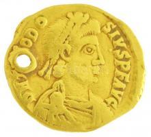 Római Birodalom / Ravenna / II. Theodosius 423. Tremissis Au (1,45g) T:3 ly. / Roman Empire / Ravenna / Theodosius II 423. Tremissis Au DN T[HE]ODO-SIVS PF AVG / VICTORIA AVGV[ST]ORVM COMOB - R V (1,45g) C:F hole RIC x 1802. (R4)