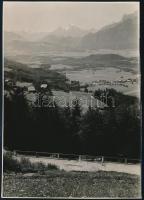 cca 1933 Kinszki Imre (1901-1945) budapesti fotóművész hagyatékából, pecséttel jelzett vintage fotó (útban Salzburg felé), 17,1x12 cm