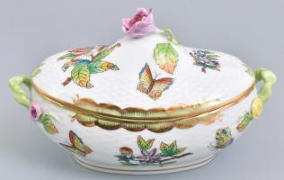 Herendi Viktória mintás porcelán ívelt bonbonniere. Kézzel festett, jelzett, egy minimális lepattanással a rózsán. h:18 cm, m: 11 cm