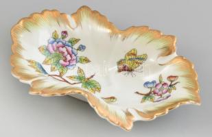 Herendi Viktória mintás porcelán tálka. Kézzel festett, jelzett, minimális kopással 15x9 cm