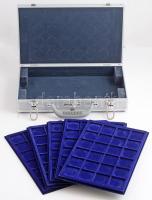 LEUCHTTURM érmetartó alumínium koffer két kulccsal, 5 sötétkék érmetálcával, összesen 120 férőhellyel. Újszerű állapotban, kis sérülésekkel
