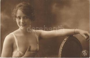 Erotikus hölgy fedetlen kebellel / Erotic nude lady. S.T.L. 25. (non PC)