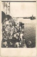Osztrák-magyar haditengerészet gyorscirkálója, matrózok a fedélzet felmosása közben / K.u.K. Kriegsmarine Rapidkreuzer / Austro-Hungarian Navy cruiser, mariners mopping the deck. photo