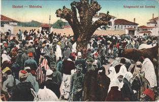 Shkoder, Shkodra, Scutari, Skutari; Kriegsmarkt am Sonntag / Sunday war market with sodliers
