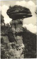 Márkusfalva, Márkusfalu, Márkus-Csépánfalu, Marksdorf, Markusovce; Kamenná huba / Kőgomba / rock formation, stone mushroom