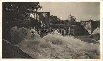 1942 Érsekújvár, Nové Zamky; Vízduzzasztó / dam + Portó