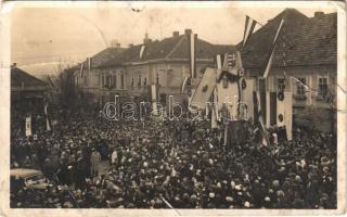 1938 Érsekújvár, Nové Zámky; bevonulás / entry of the Hungarian troops + 1938 Érsekújvár visszatért So. Stpl. (b)