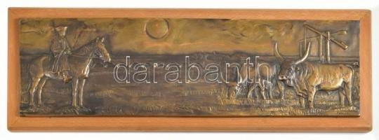 Renner Kálmán (1927-1994): Hortobágy, bronz fali plakett fa talapzaton, jelzett, 13×41,5 cm