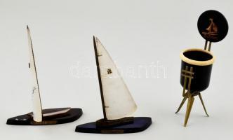 Balatoni retro dísztárgyak. 2 vitorlás, cigaretta tartó. 12, 13 cm
