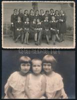 1942 Balatonfüred, a polgári iskola leánytanulói, hátoldalon nevesítve az elfoglalt helyek alapján; + hozzáadva egy 1924-es datálású és szintén feliratozott, balatonfüredi műtermi fotót; összesen 2 db vintage fotó, 13,5x8,5 cm