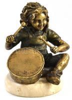 Doboló kislány. Bronz szobor, mészkő talapzaton. XX. sz. vége. Jelzett 23 cm