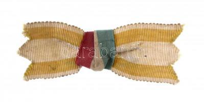 ~1900. Mellszalag a pápai állam és a magyar zászló színeivel