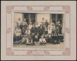 cca 1910 Budafoki fiúiskola I. osztálya, Schumy Antal fényképész pecséttel jelzett vintage fotója, 11x16 cm, karton 18,8x23,8 cm