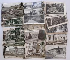 Kb. 86 db MODERN magyar fekete-fehér retro város képeslap / Cca. 86 modern Hungarian black and white retro town-view postcards