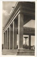 München, Munich; Ehrentempel auf dem Königlichen Platz. Architekt Paul Ludwig Troost / A Kegyelet temploma a Königlicher Platzon / Honor Temples, Nazi architecture