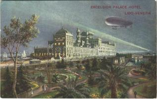 Airship over the Excelsior Palace Hotel (Lido-Venezia) in Venice (EK)