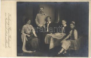Erzherzog Franz Ferdinand von Oesterreich dEste mit Familie / Archduke Franz Ferdinand of Austria with Sophie, Duchess of Hohenberg and children (EK)