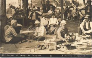 Razgrad, Le marché / Bulgarian folklore, market vendors