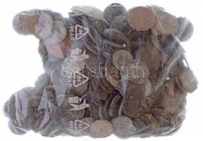 Római Birodalom ~530g Br és Cu érmetétel a III-IV. századból T:3,3- Roman Empire ~530g Br and Cu coin lot from the 3rd-4th century C:F,VG