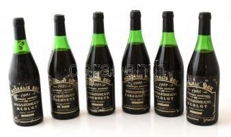 1980-81 Muzeális borok: Hosszúhegyi cabernet sauvignon, és Hosszúhegyi Merlot száraz vörösbor, 0,75 l 6 db bontatlan palack mind pincében, szakszerűen tárolt