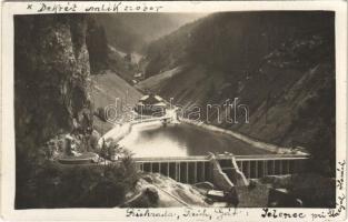 1934 Alsószarvas, Dolny Jelenec (Óhegy, Staré Hory); gát, Dekrét emlékmű / dam, monument. photo
