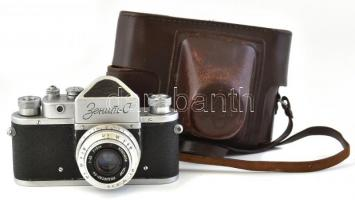 Zenit-C szovjet fényképezőgép, Industar-50 50 mm f/3,5 objektívvel, sapkával, eredeti bőr tokjában / vintage Russian camera, in original leather case