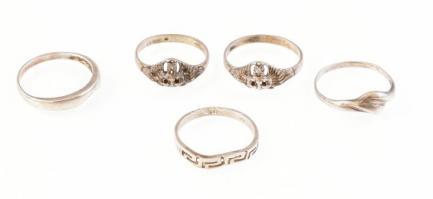 Ezüst (Ag) 5 db gyűrű. Deformált Jelzett. bruttó: 7,9g. M: 54, 58, 56
