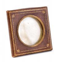 Régi bőr képkeret, aranyozott bőr borítás, réz belső keret, 8×8 cm, d: 5 cm