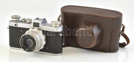 cca 1960 FED Zarya szovjet fényképezőgép, Industar-26m 1:2,8/50 mm objektívvel, eredeti tokjában, jó állapotban / vintage USSR camera in original case, in good condition