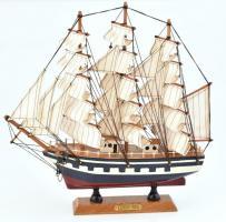 Kershones nagy méretű hajómodell, dobozban 32 cm