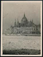 cca 1930 Kinszki Imre (1901-1945) budapesti fotóművész hagyatékából jelzés nélküli vintage fotó (zajló Duna), 12x9 cm