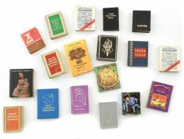 18 db minkönyv, benne a miniatűr könyvgyűjtésről 2 féle, Gundel Hungarian dishes, stb