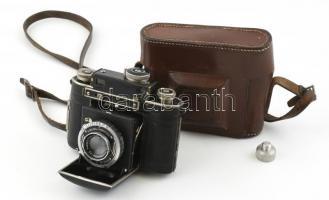 Certo Dollina távmérős fényképezőgép Tessar 50mm f/2.8 objektívvel, eredeti bőr tokjában, szép állapotban